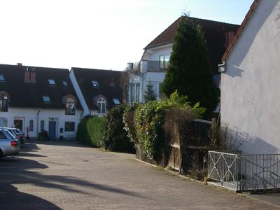 Im Berger Hof in Koeln Suerth (Insgesamt 19 Haeuser)